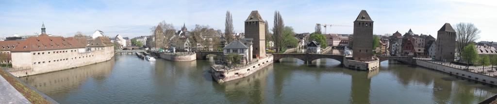STRASBOURG Quartier de la Petite France et Ponts Couverts